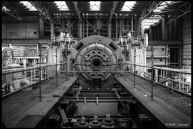 Nice symmetry in a shot of an old turbine. | Steam ...