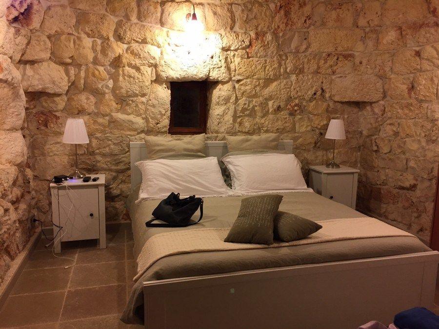 Dormire in un trullo in Puglia | Home decor, Home, Stone wall