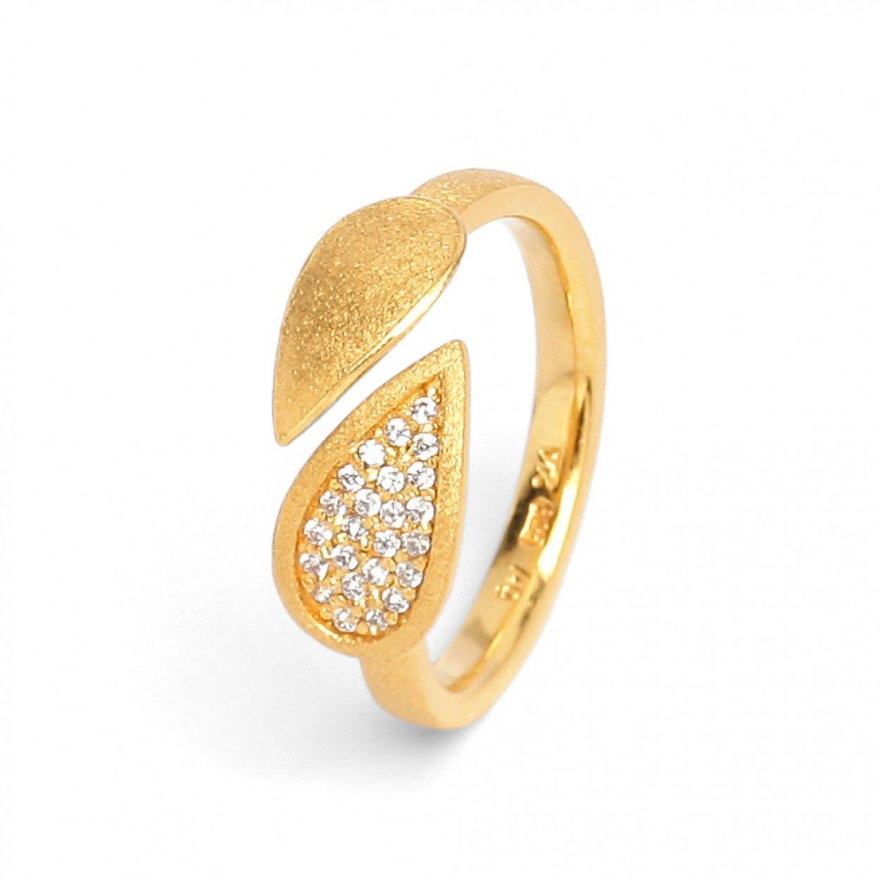 BERND WOLF I Der Ring Drop  aus der Designlinie AQUA birgt zwei sich treffende Tropfen. #Tropfen #Aqua #BerndWolf #Ring #Goldplattiert #Madeingermany