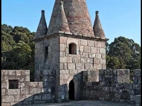 Video con foto del castello: a 4:30 è possibile vedere le are dedicate a Bandevelugo-Toiraeco, una divinità di origine celtica.