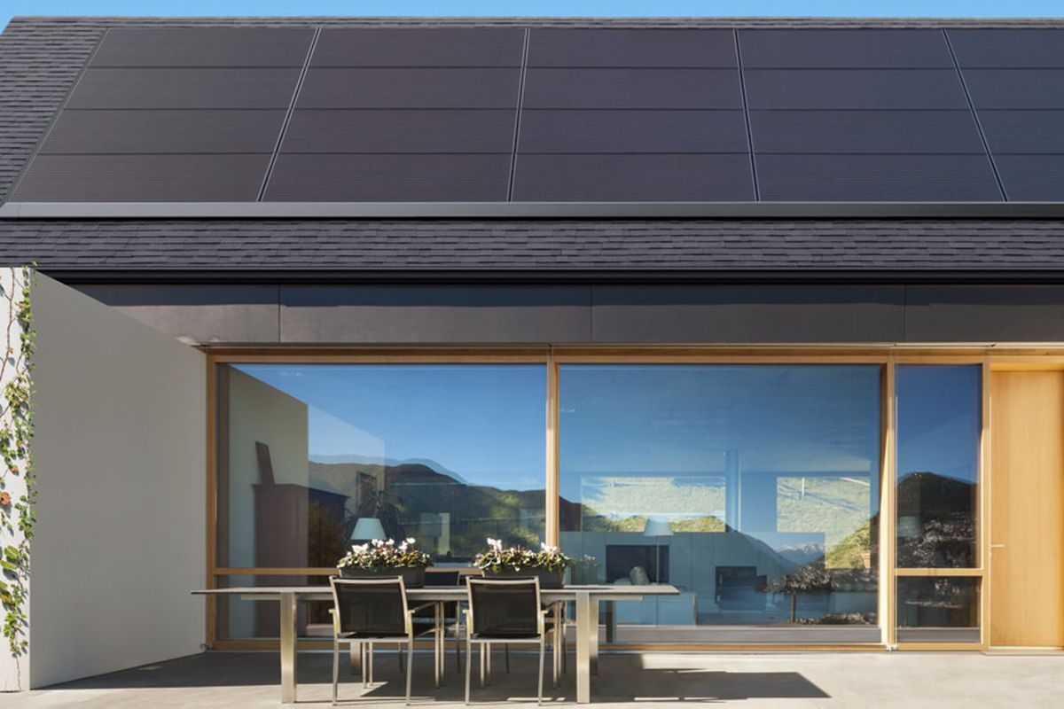 Tesla S New Solar Panels Blend Right Into Existing Roofs Solar Panels Best Solar Panels Solar Energy Panels