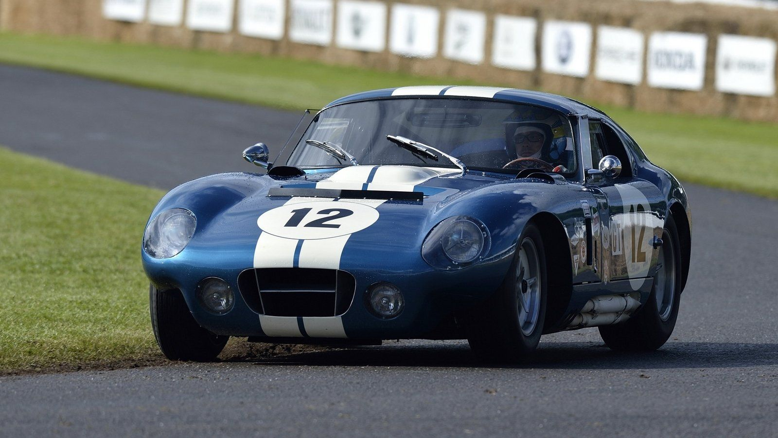 Https www topspeed com cars shelby 1964
