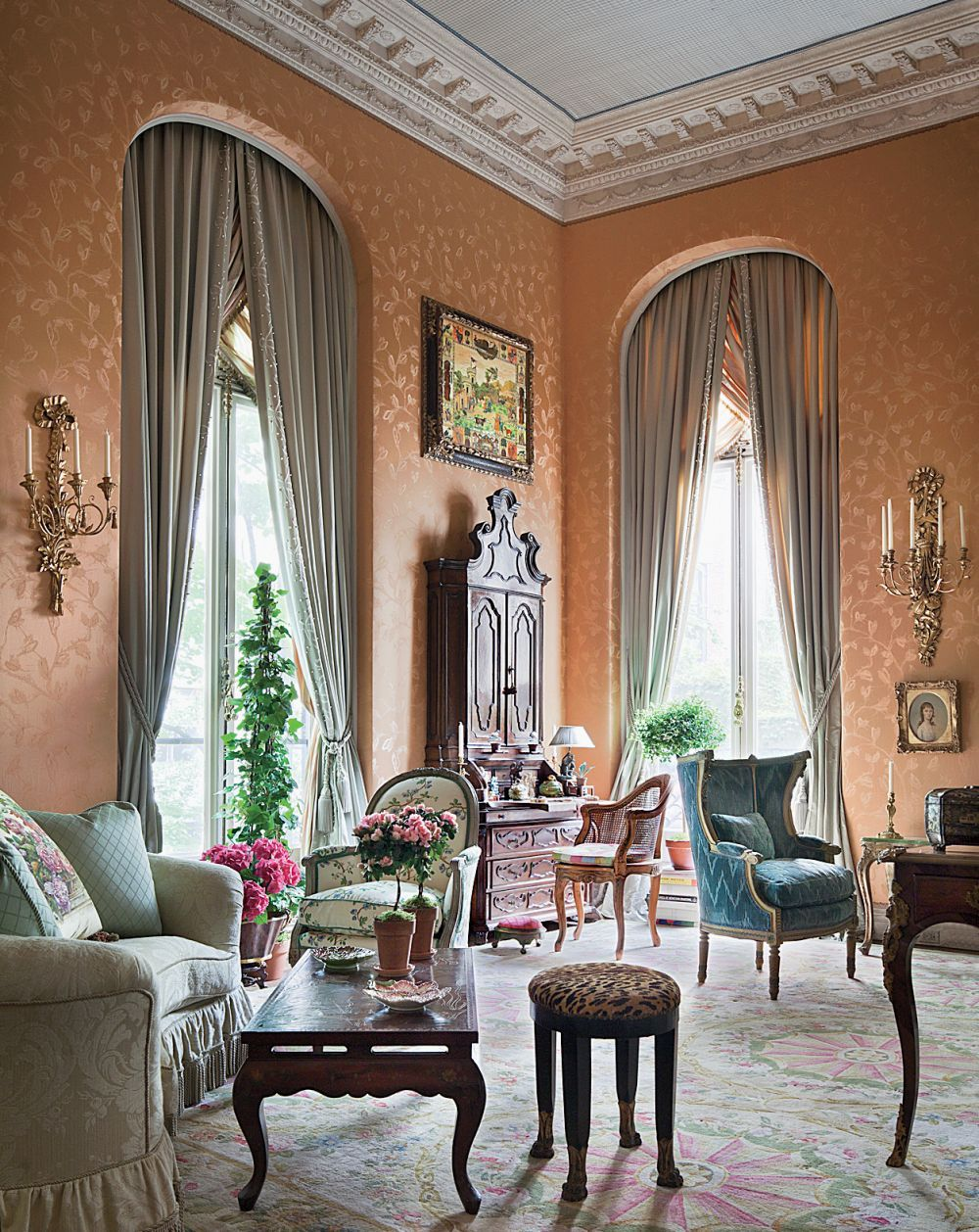 Traditional Living Room By Mario Buatta In New York, New