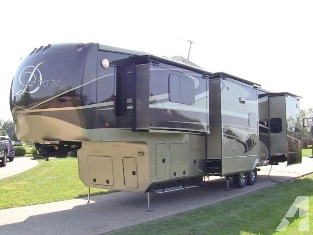 Fifth Wheel Drv Tradition 390ress Luxury 5th Wheel 4 Berth 2016