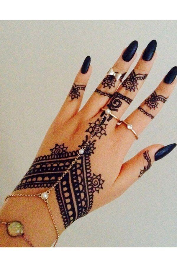 56 Gorgeous Hand Chain Jewelry Ideas For Classy Ladies Ecstasycoffee Henna Tattoo Designs Henna Tattoo Hand Henna