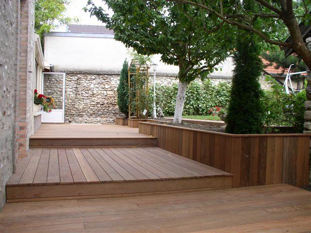trois niveaux jardin terrasse contrebas. Black Bedroom Furniture Sets. Home Design Ideas