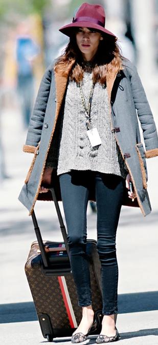 Alexa Chung : Louis Vuitton Street Style