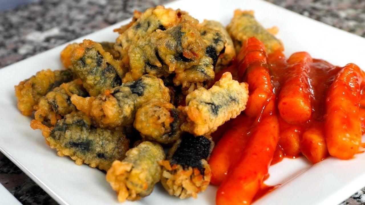 Crispy Seaweed Noodle Rolls (Gimmari: 김말이) - YouTube