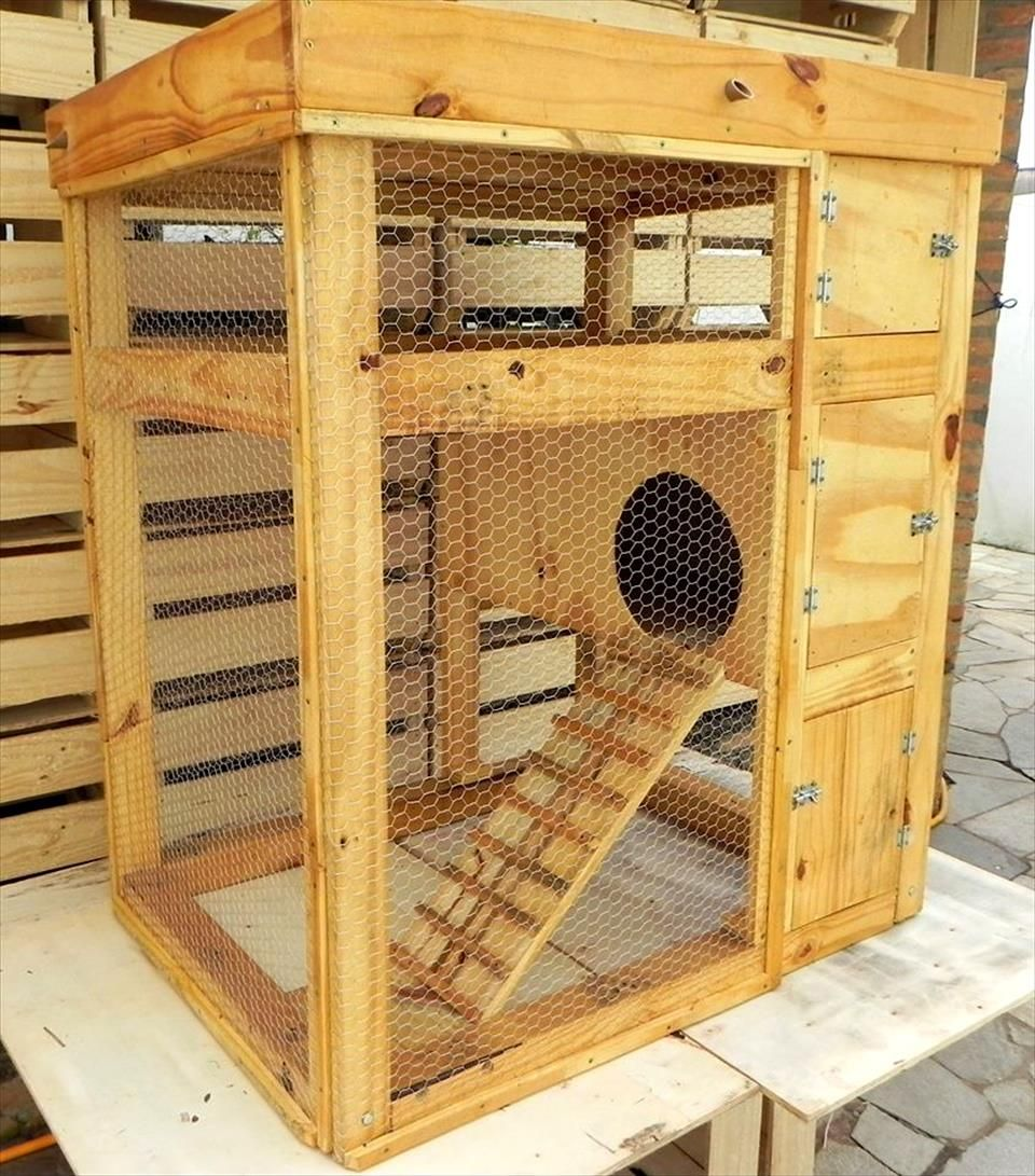 Upcycled pallet rabbit hutch pallet furniture rabbit for Rabbit cage made out of dresser
