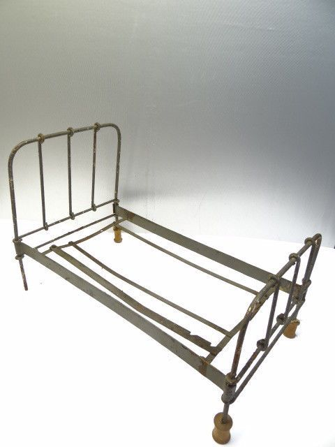 Vintage Used Old Metal Miniature Small Baby Doll Dollhouse Bed