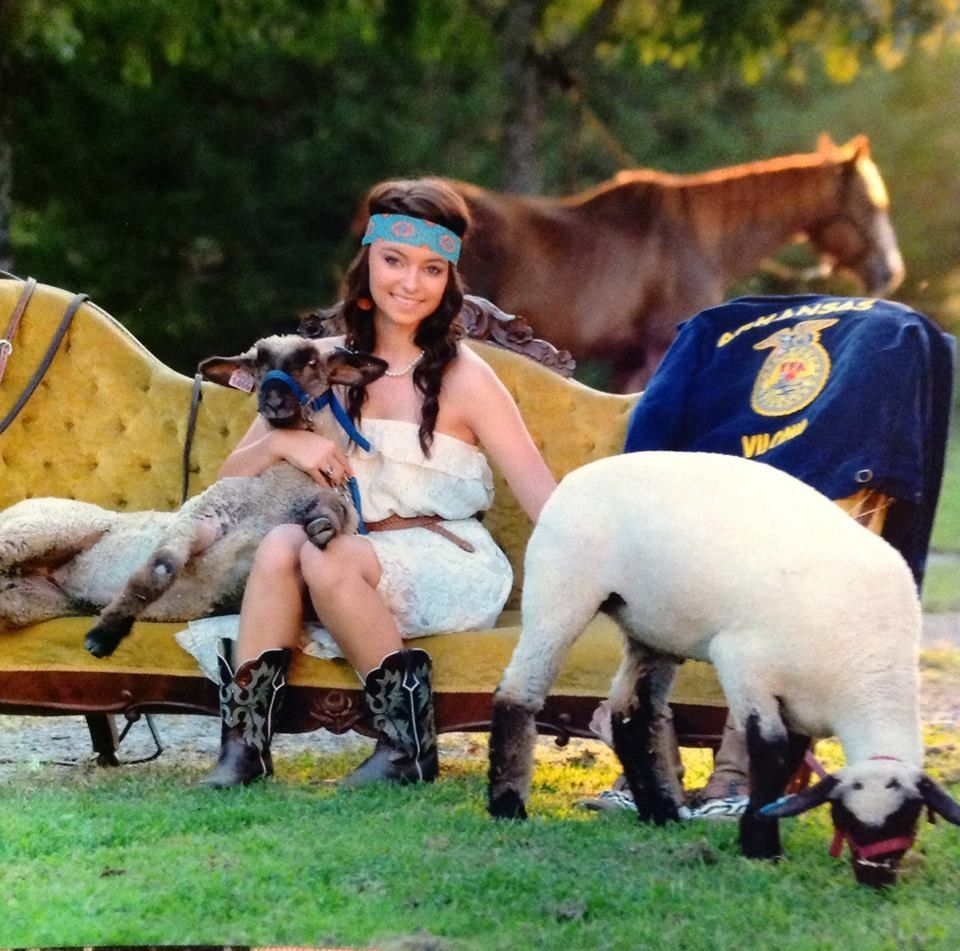 Senior Picture Ideas In The Country: Country Senior Pictures FFA Lambs Horses