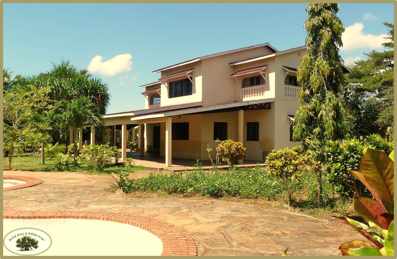 Spacious Villa On 7 000 M Compound At Tiwi Beach Md2305179 Global Real Estate Real Estate Industrial Real Estate