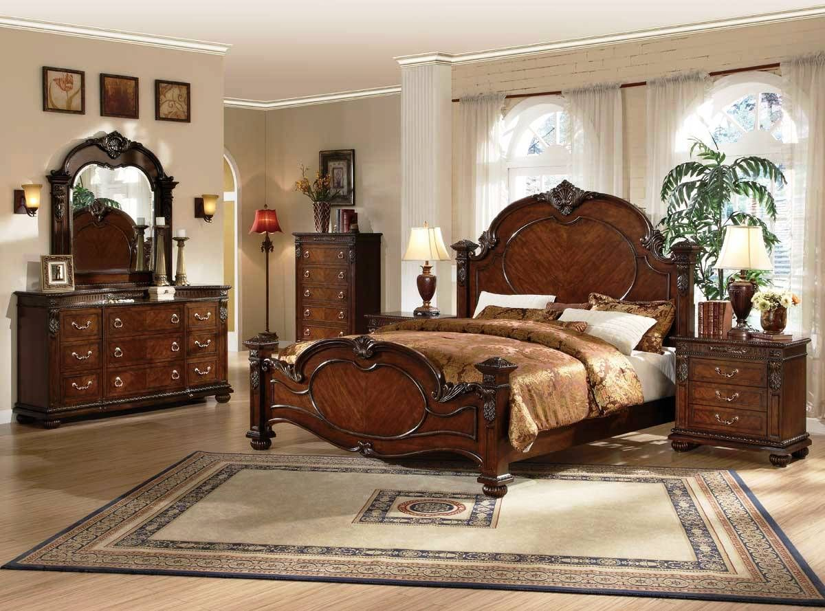 Classic wooden victorian furniture master bedroom for Victorian style master bedroom