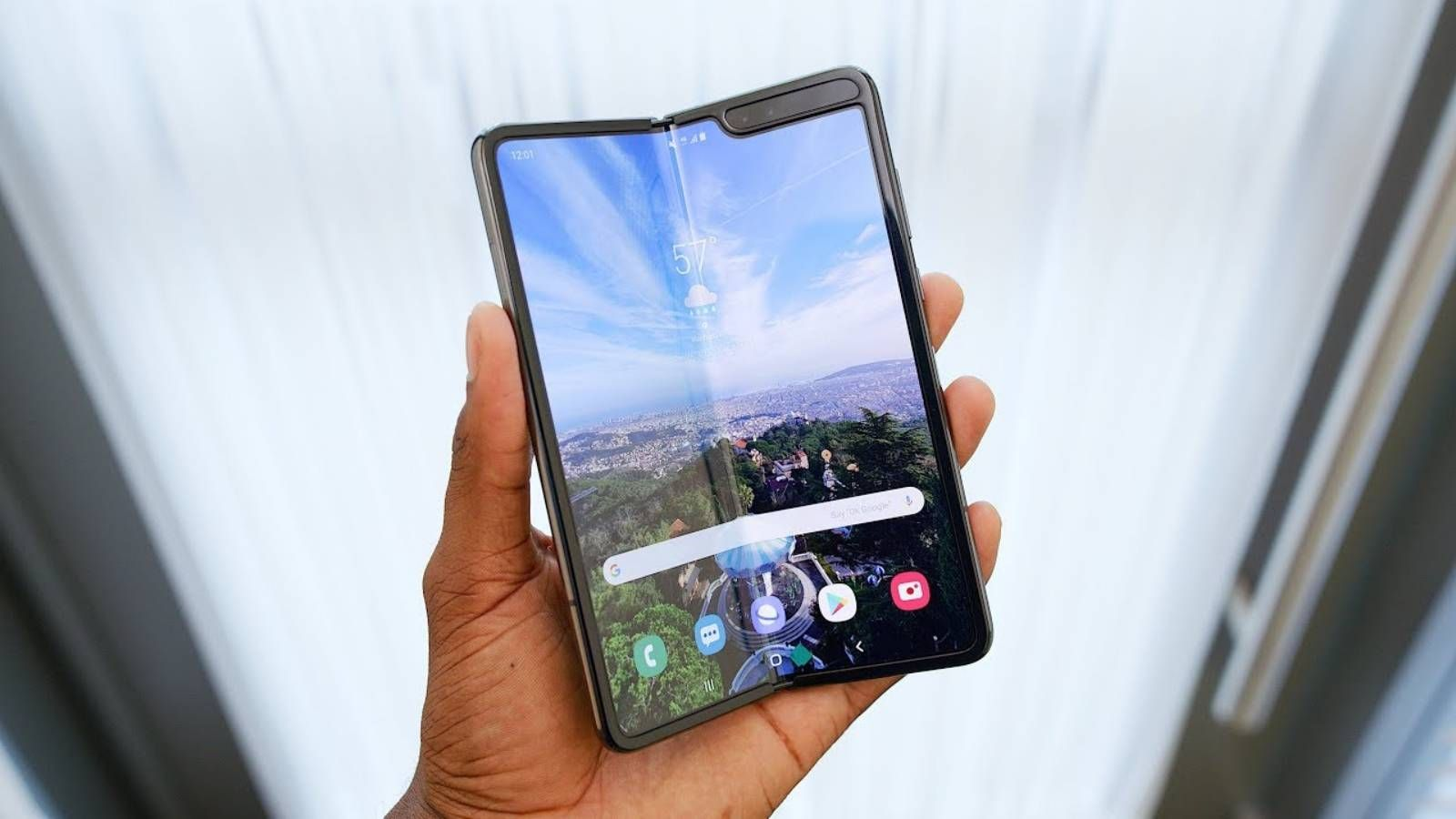 Samsung Galaxy Fold Primele Unboxing Si Review Uri Idevice Ro Samsung Galaxy Samsung Galaxy