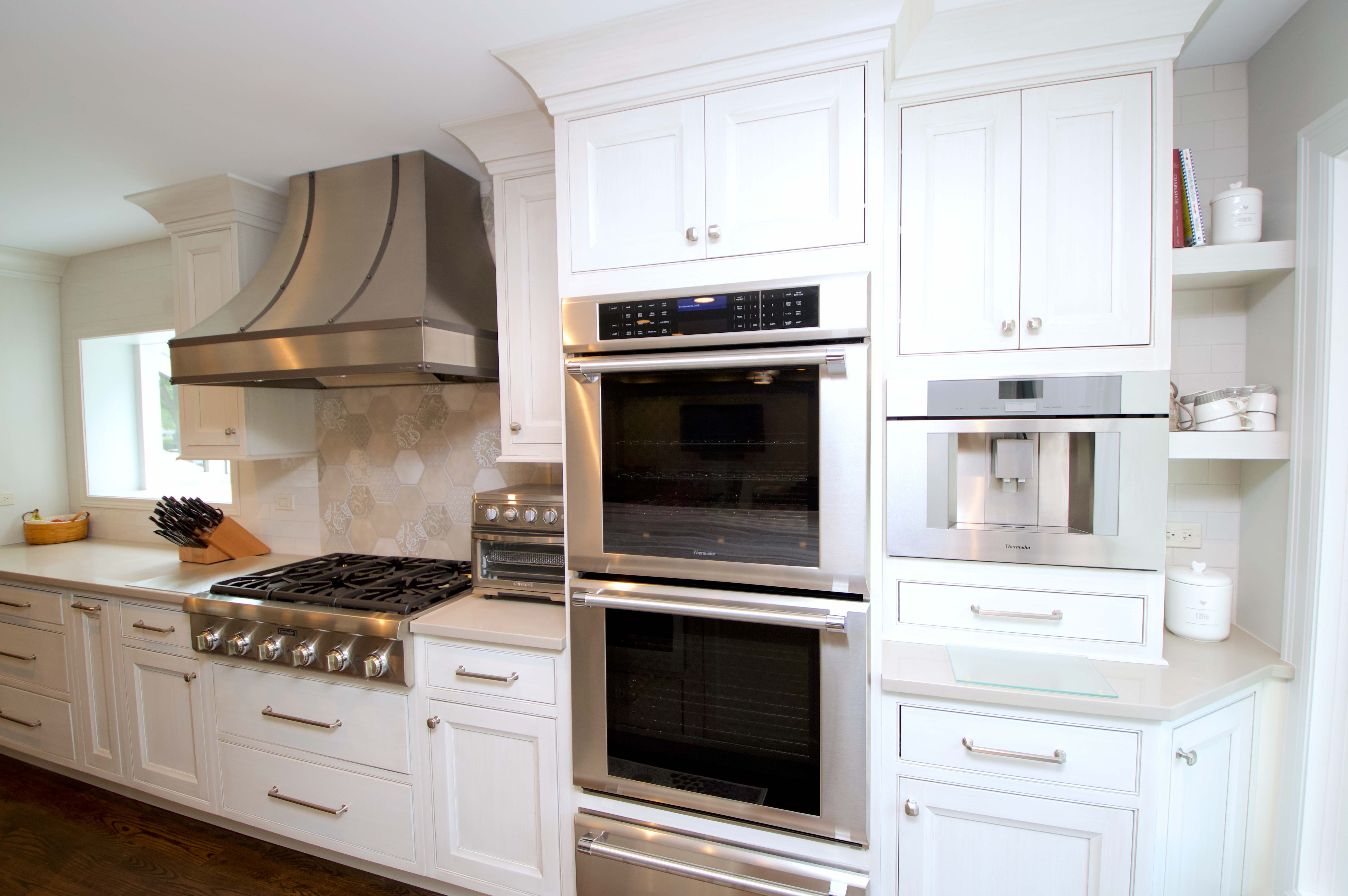 Double Oven, Custom Hood, and White Cabinets in 2020 ...