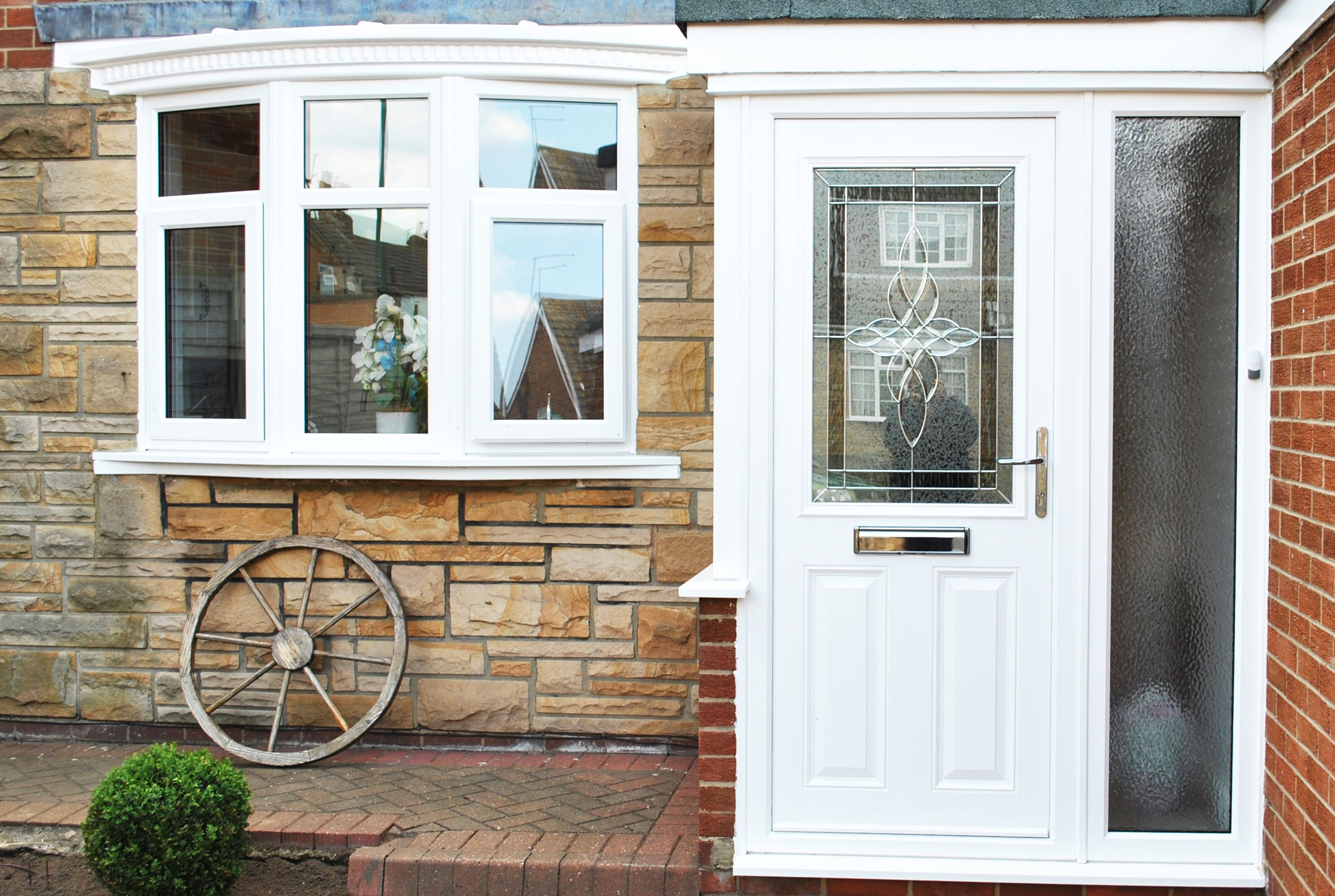 Stunning White Parama Composite Door with Bespoke Unique Door Design and Full house of Windows in Rehau UPVC Inluding one Front Bow window with Bottom ... & Stunning White Parama Composite Door with Bespoke Unique Door ... Pezcame.Com