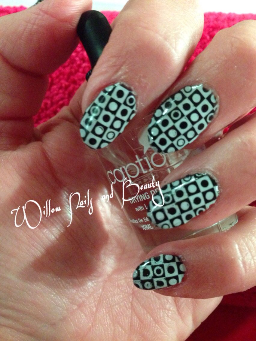 Acylic nails using Young Nails Products and Caption Art Screens ...