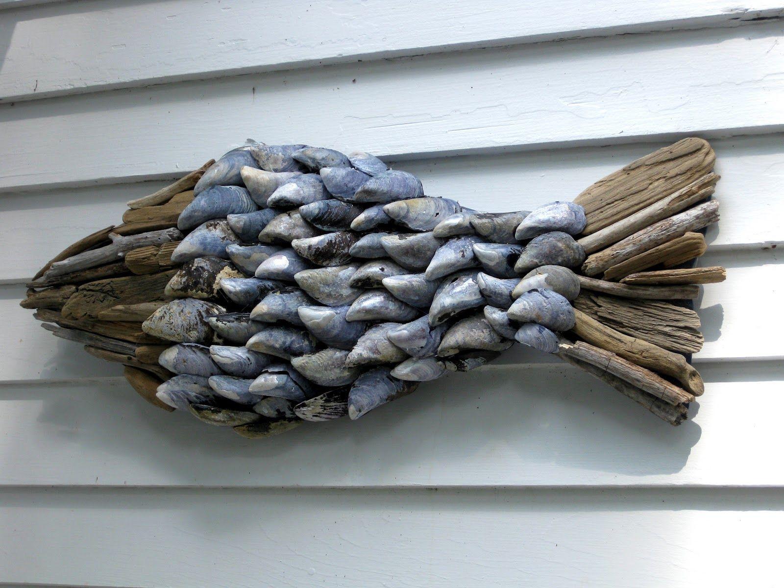 Driftwood Wall Hanging vis van schelpen en drijfhout | seasons | pinterest | hanging art