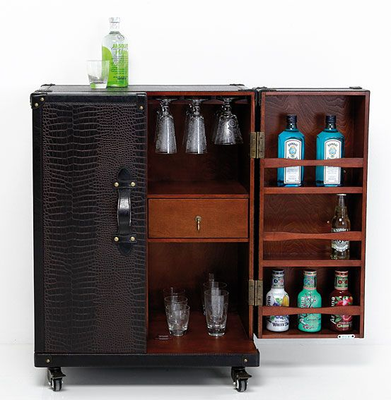 Mueble bar con ruedas vintage trunk bar for Mueble tipo bar de madera