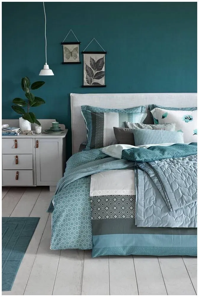 25 Green Bedroom Ideas That Bring The Atmosphere Like Outdoors In Your Room Beds Greenbedroo Master Colors Blue Decor