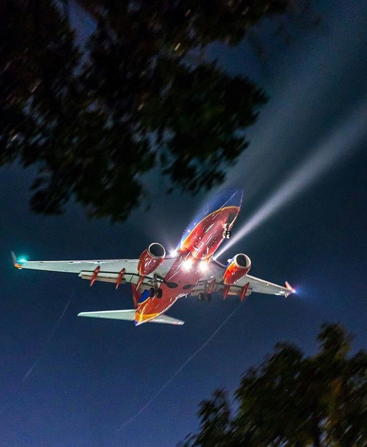 Southwest In The Night Sky Southwest Airlines Boeing Aircraft Aircraft