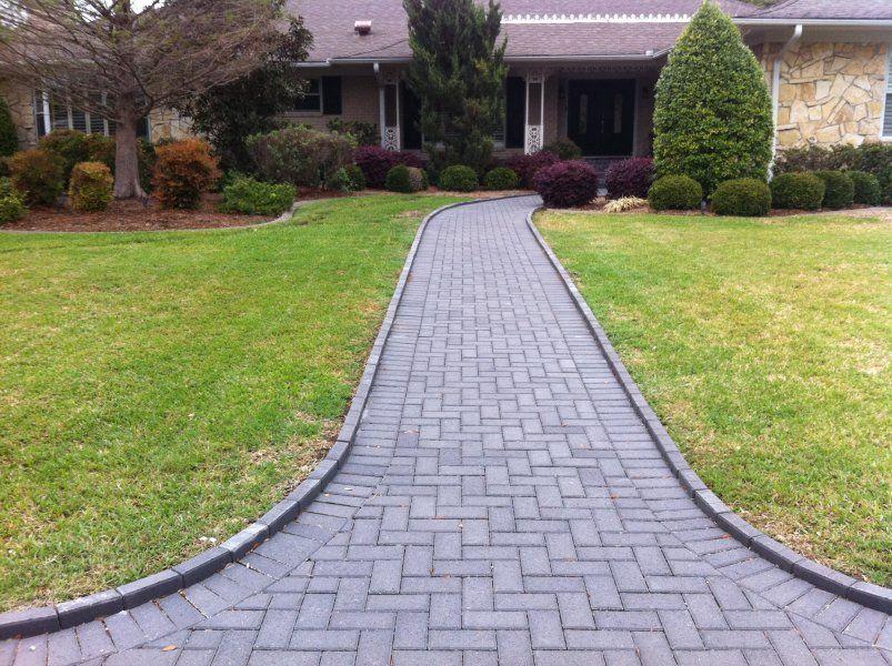 Love This Brick Walkway Pattern Front Walkway Landscaping