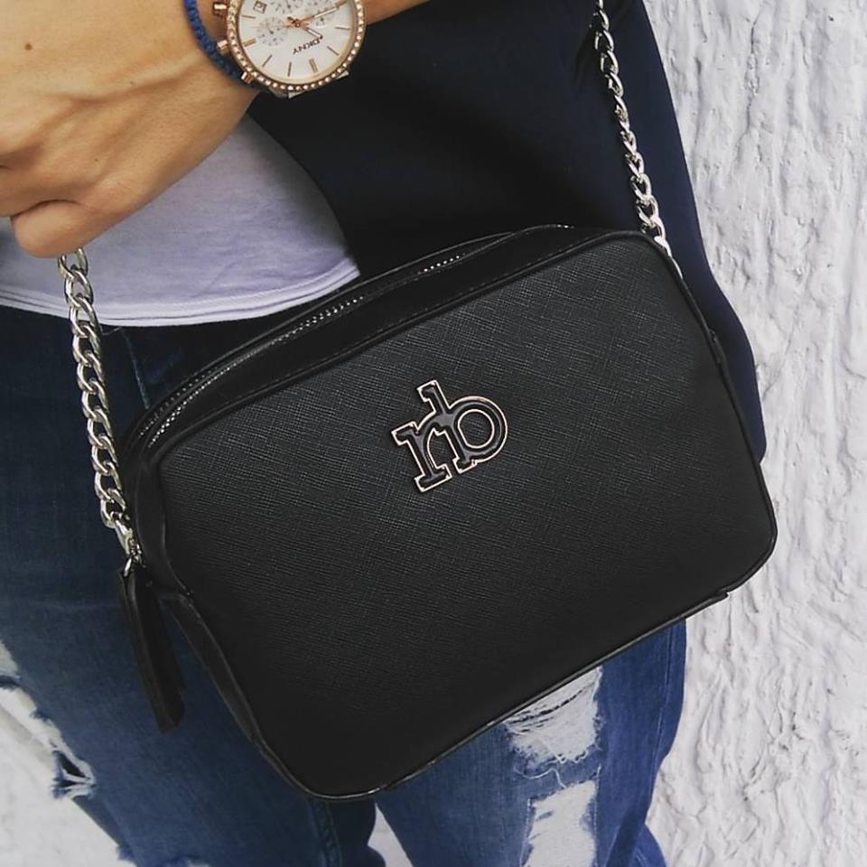 c62662202e Μαύρη χιαστί τσάντα Roccobarocco