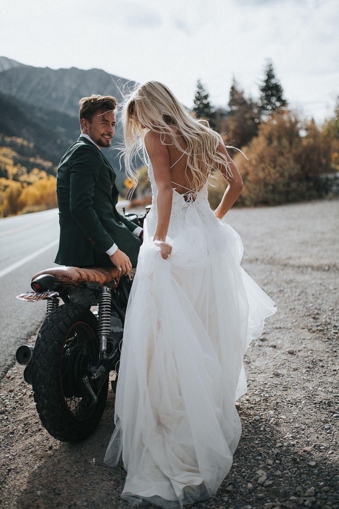 Свадебная фотосессия с мотоциклом