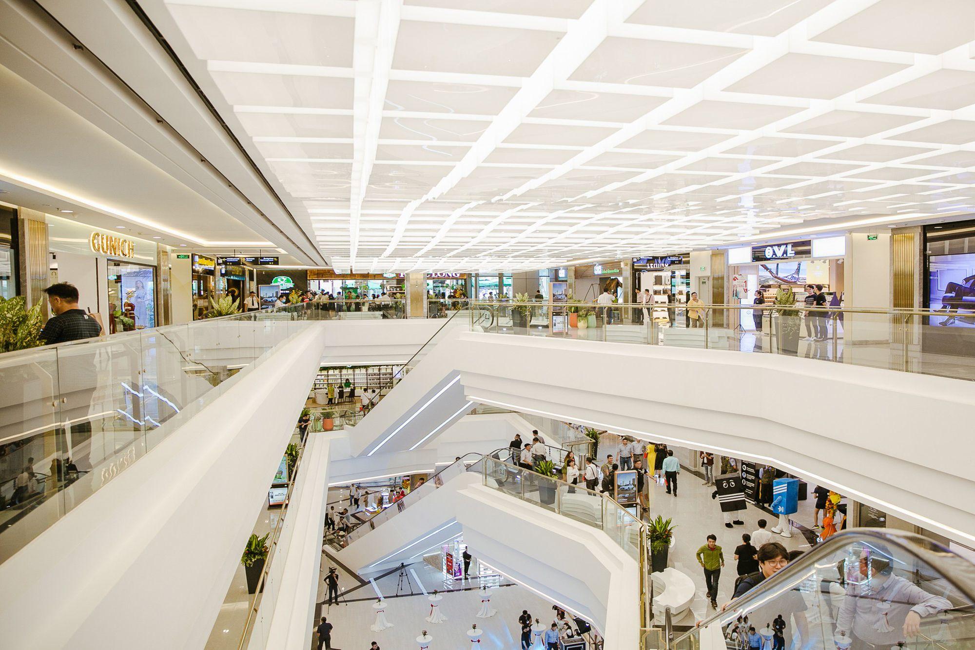 Kết quả hình ảnh cho trung tâm thương mại landmark 81