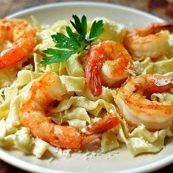 Pasta with lemon cream and shrimp.