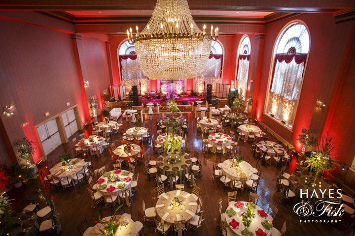 The Gorgeous Ballroom Of Renaissance Downtown Rva S All Inclusive Wedding Venue