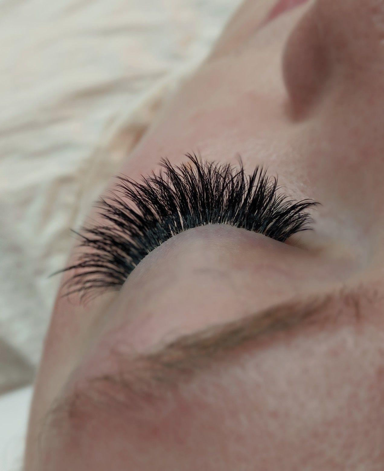 Hollywood volume lashes• yeg lash extensions• edmonton