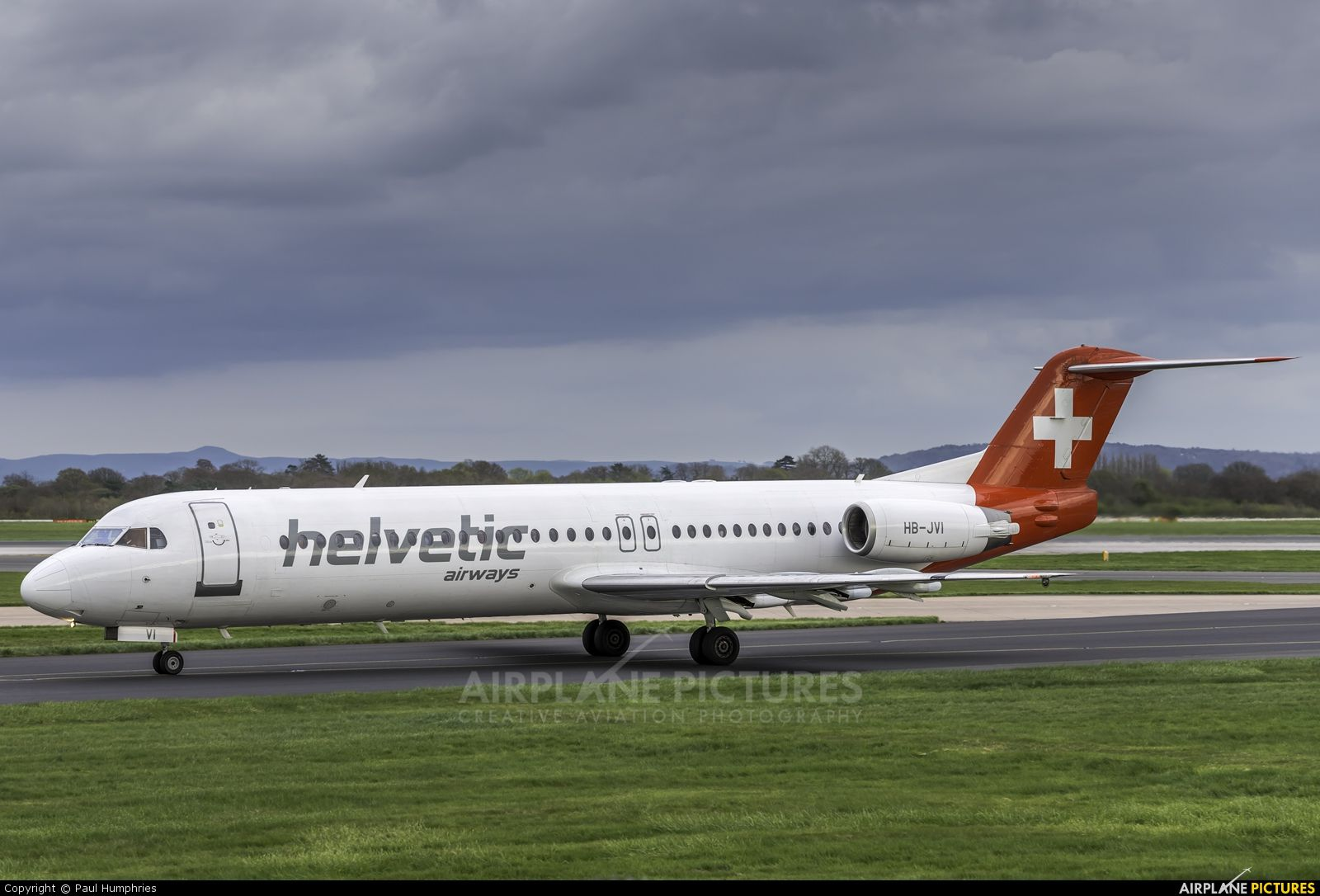High quality photo of Helvetic Airways Fokker 100 by Paul