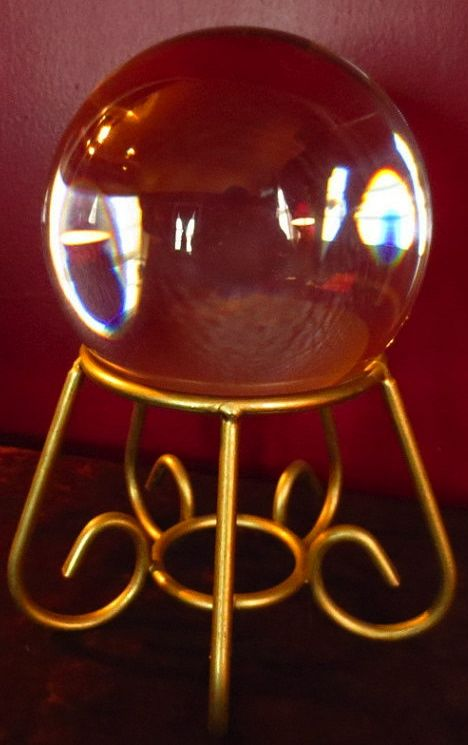 ☆ Vintage Fortune Telling Gold Iron Crystal Ball Holder :¦: Etsy Shop: Theblackcatcloset ☆