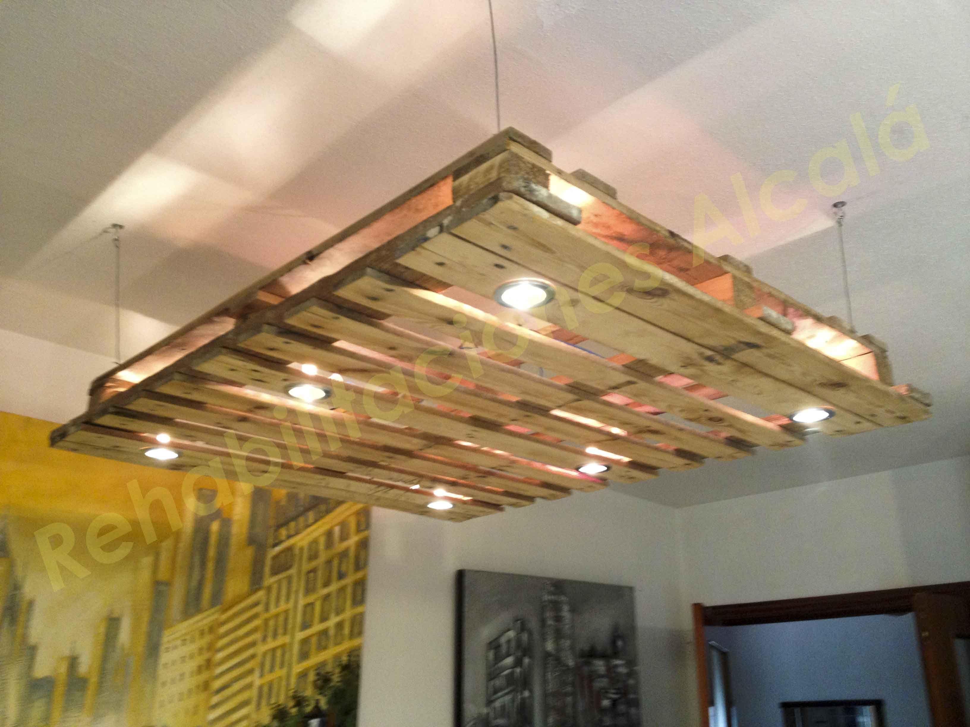 Reciclando palets l mpara de techo diy decoraci n - Lamparas decorativas de techo ...