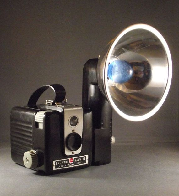 Mid Century Kodak Brownie Hawkeye Flash Outfit with Flash, Box, and Bulbs