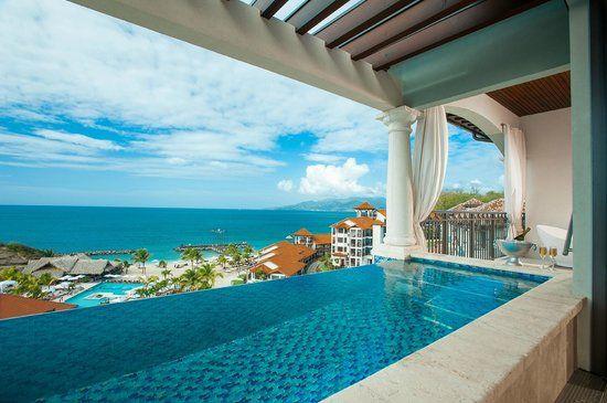 Italian Honeymoon Packages All Inclusive: Italian Swim Up Bi-level 1 Br. Butler Suite With Veranda