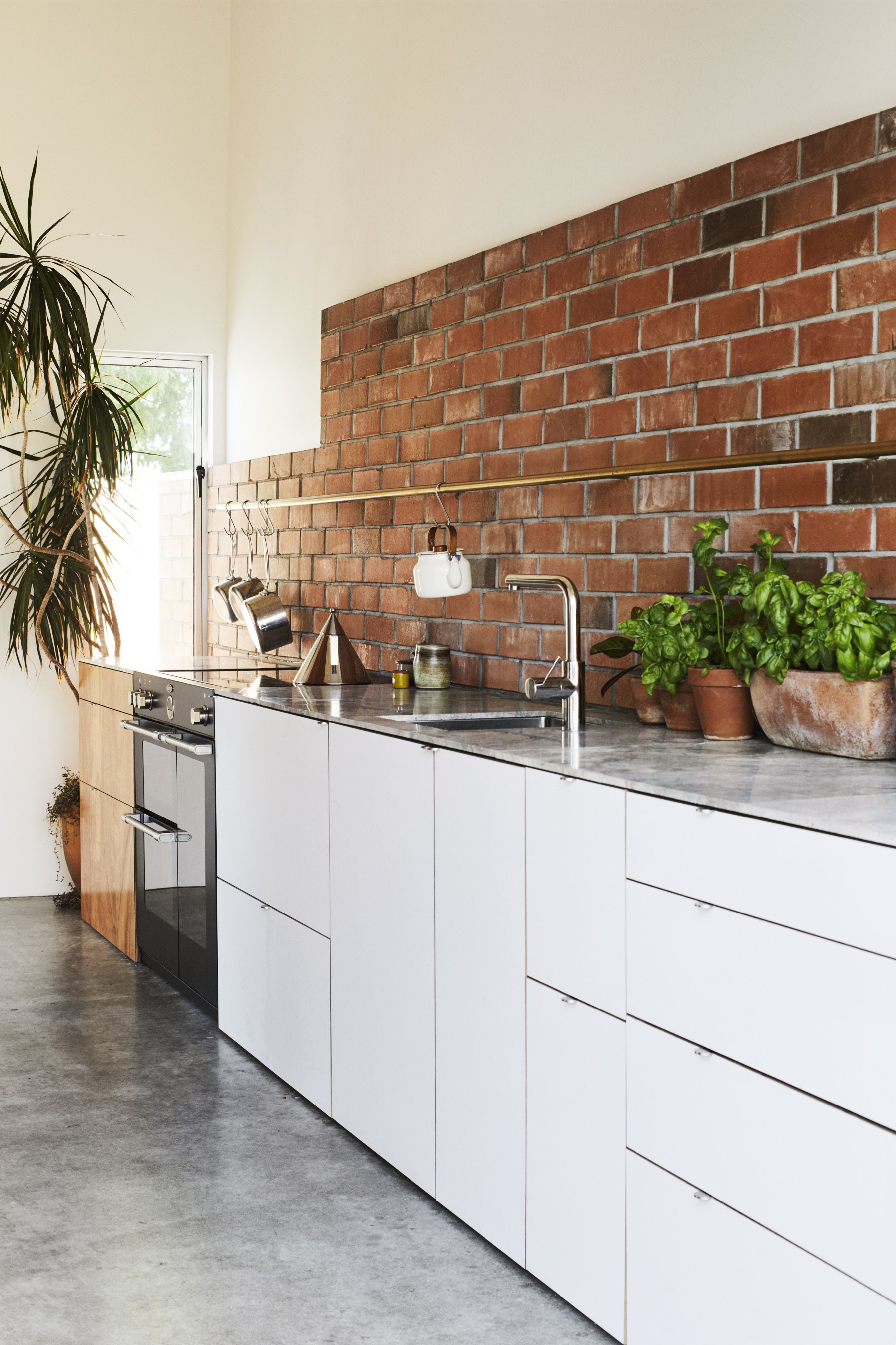 Best Photos from This DIY Home in New Zealand Doubles as a ...