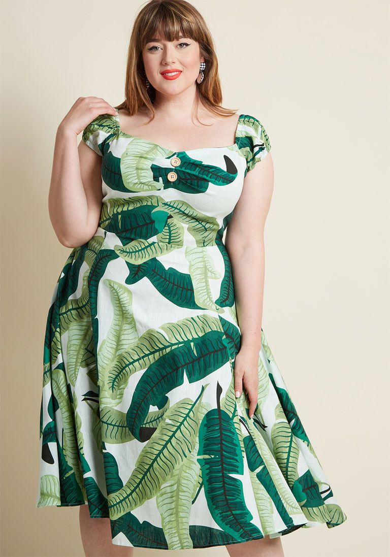 342821caa20e Collectif Tickle Me Picnic A-Line Dress in Leaves in 6 (UK) - Cap Midi by  Collectif from ModCloth
