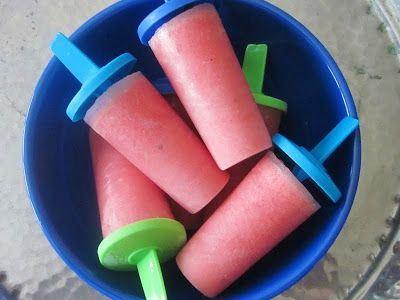 Homespun With Love: Popsicle Wednesday: {Coconut Watermelon Popsicles}