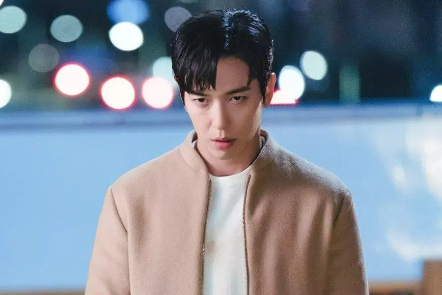 "CNBLUE's Jung Yong Hwa Discusses New Drama ""Sell Your Haunted House"" + Talks About His Teamwork With Jang Nara"