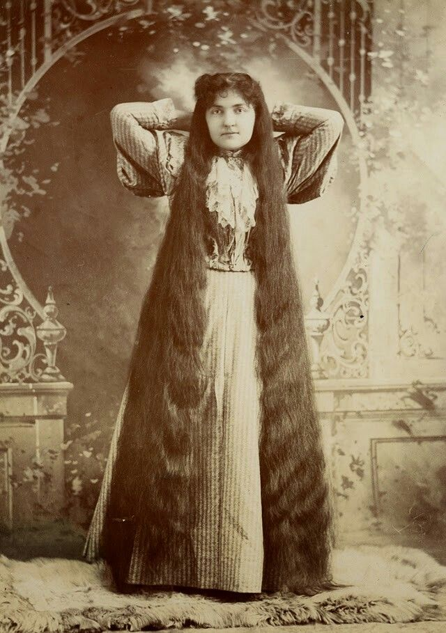 Hair Was Said To Be A Woman S Crowning Glory The Victorians Certainly Knew That As Thes Victorian Hairstyles Vintage Hairstyles For Long Hair Long Hair Styles
