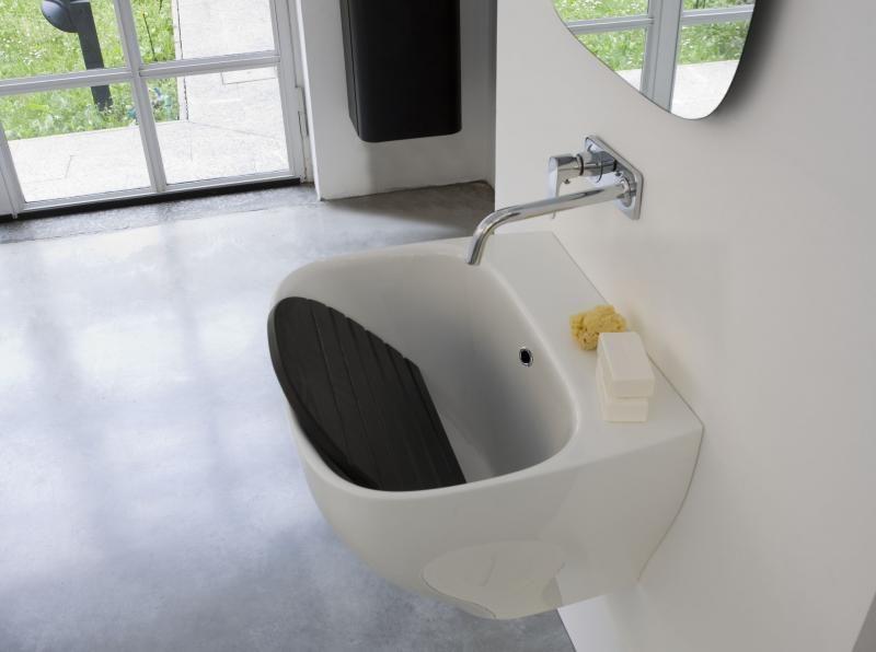 Perfect progetti di design per il bagno presentati anche in spagna rugiada point with progetti - Progetti per bagno ...