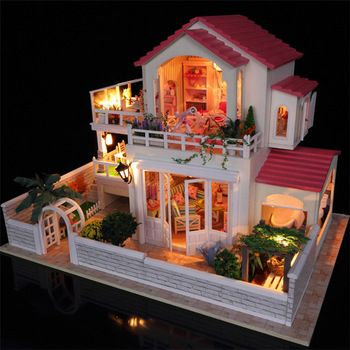 Luxury Assembling Diy Miniature Wooden Doll House With