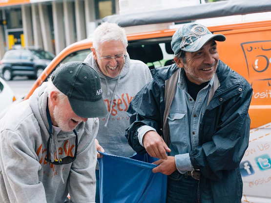 This Mobile Laundry Gives Homeless People Free Showers And Washes