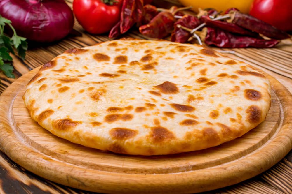Chaczapuri To Swietny Przyklad Gruzinskiej Bieda Kuchni Ktory Zrobil Zadziwiajaca Kariere Przepis Na Te Tzw Gruzinska P Appetizer Recipes Yummy Food Food