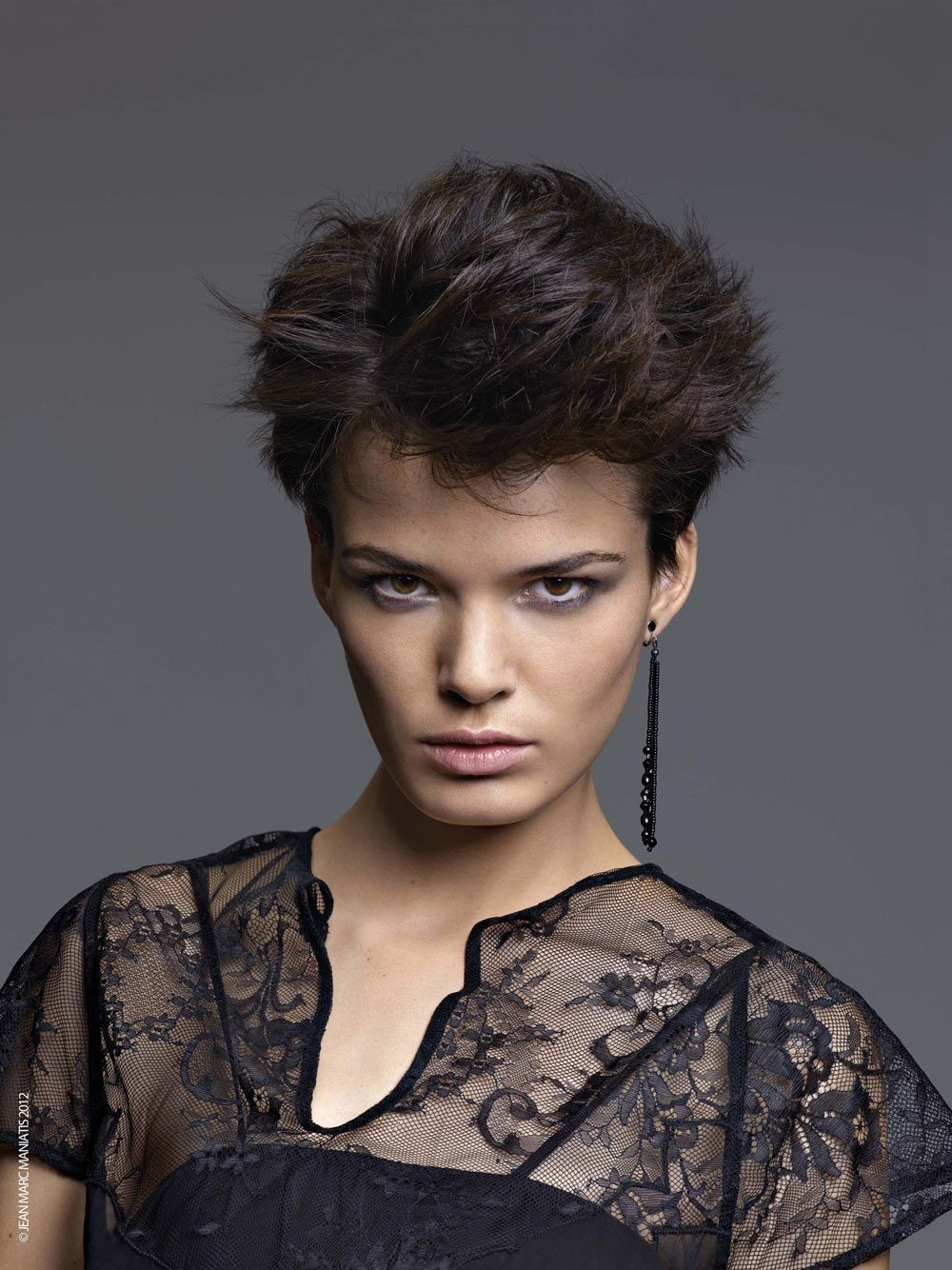 coupe courte Coupe de cheveux courte, Coupe de cheveux