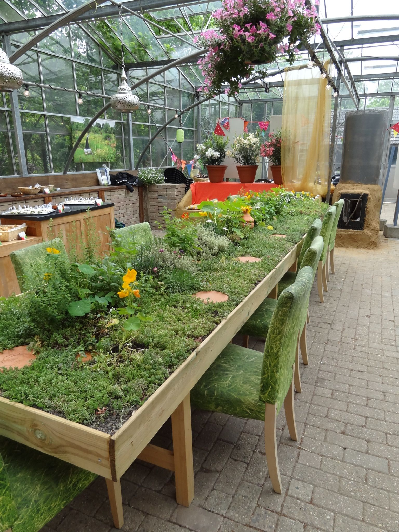 Botanocal Garden, Nijmegen...wel je bestek zoeken...