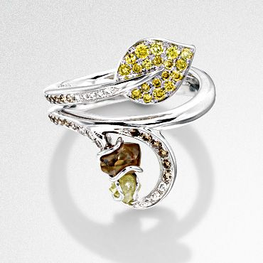 Yellow, cinnamon and rough diamond ring in 18ct white gold