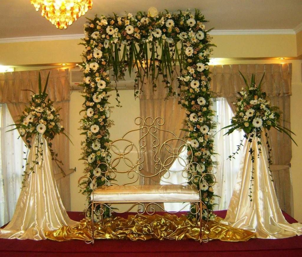 Church wedding decorations altar flowers spray church for At home wedding decoration ideas